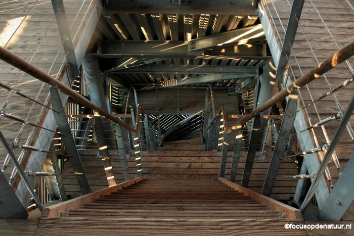 Uitkijktoren - Beneden trap ...